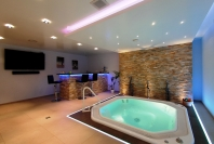 privat_spa_weiher_whirlpool_bar